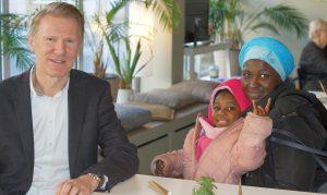 GESA Wohnpaten Projekt WofA - Serbatu mit Tochter Amira und Harald Böning